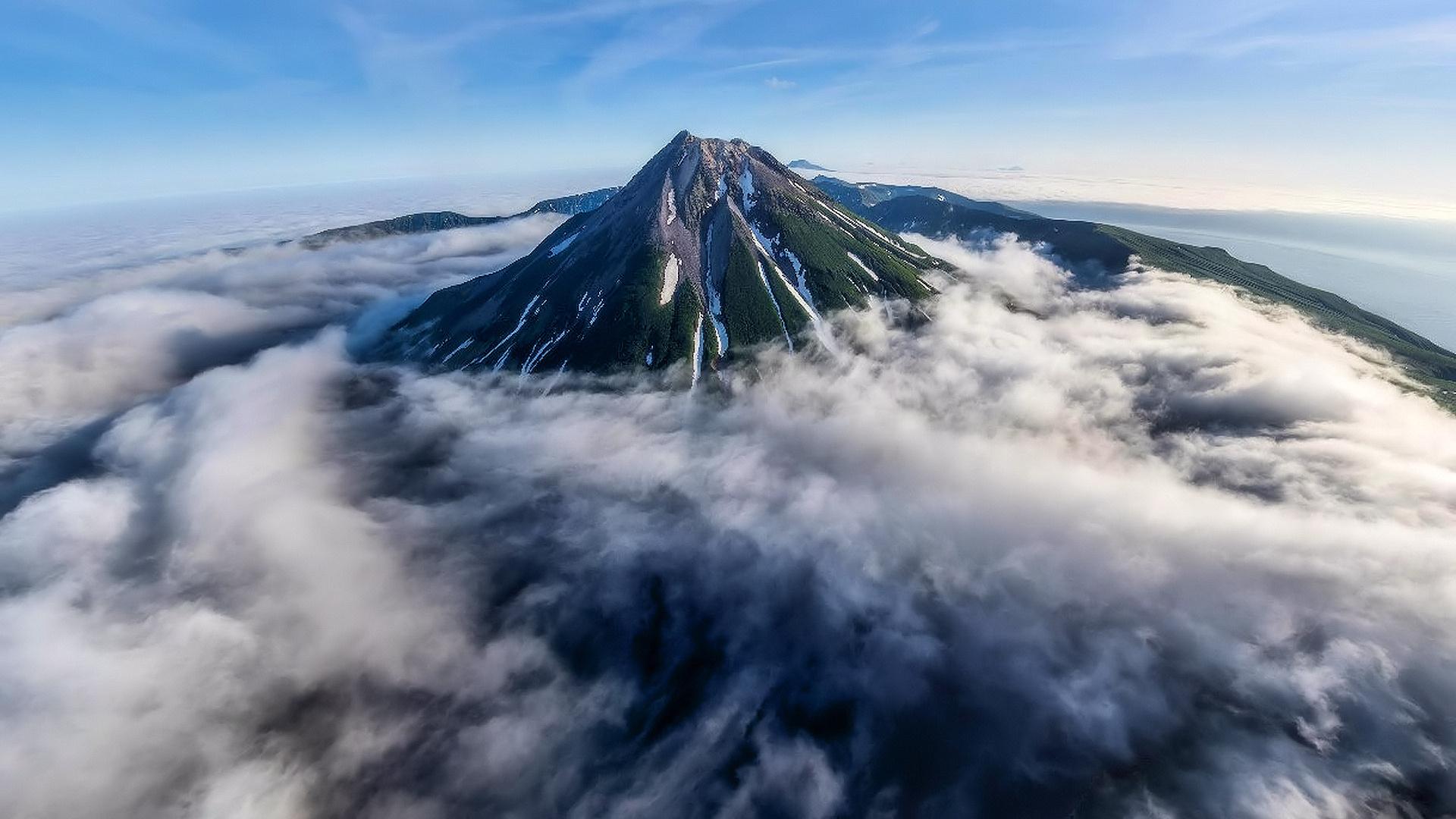 вулкан Креницына